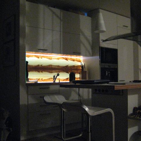 Nischenrückwand Küche 2: Leuchtholz